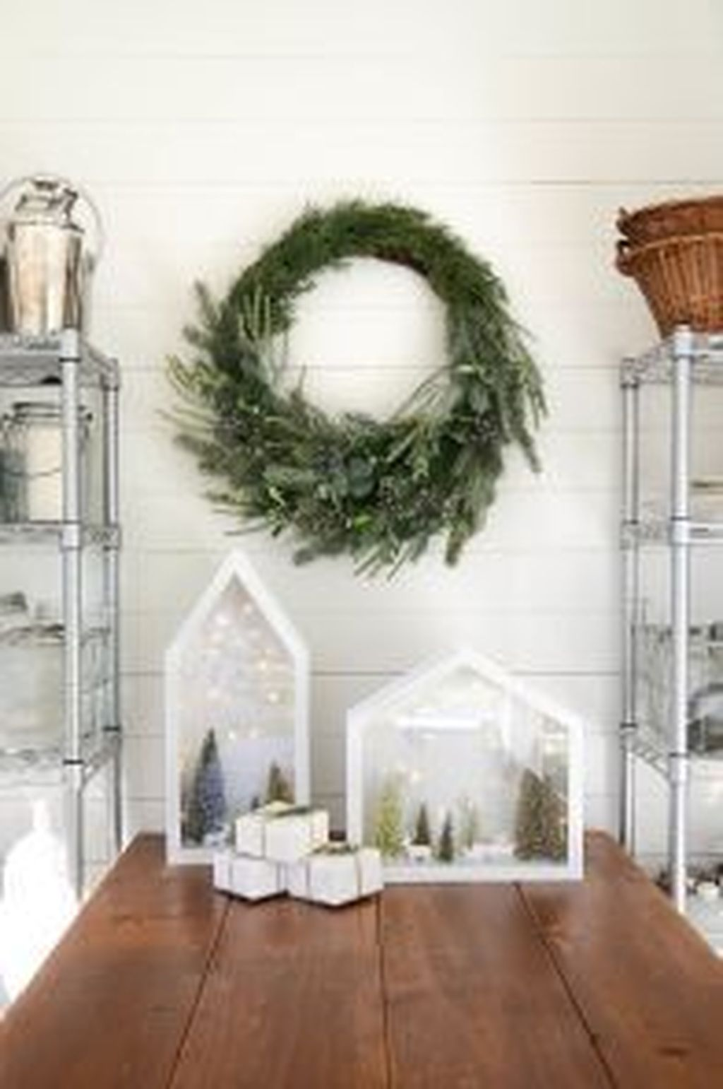 Popular Minimalist Winter Decor Ideas You Should Try 26