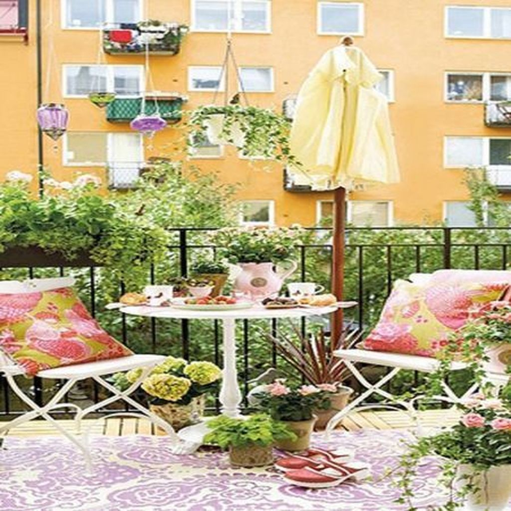 Stunning Apartment Balcony Decor Ideas For This Winter 23