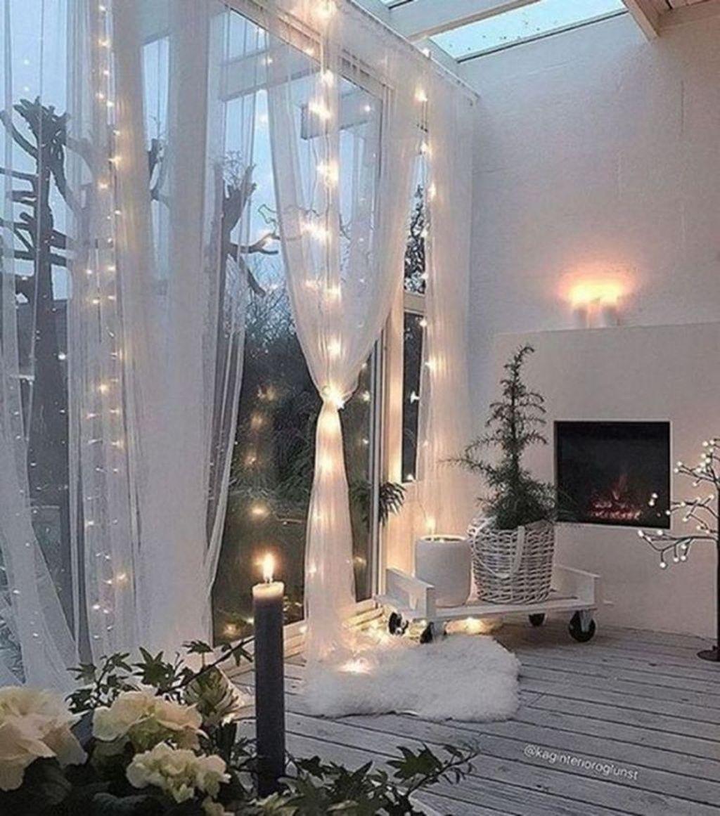 Beautiful Winter Apartment Decor Ideas 07