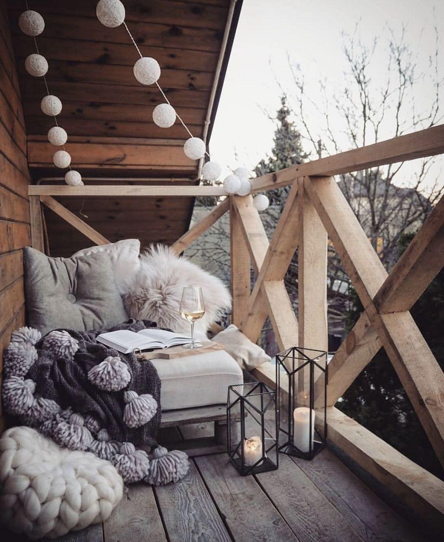 Beautiful Winter Apartment Decor Ideas 19