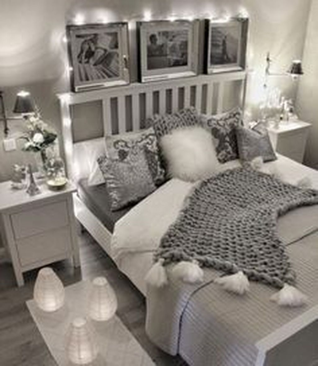 Beautiful Winter Apartment Decor Ideas 31