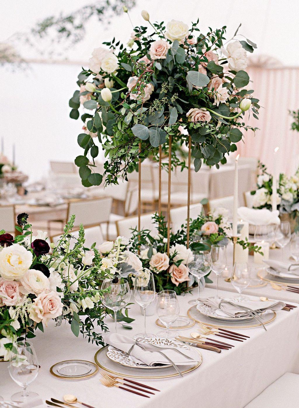 Nice Winter Table Centerpieces Decoration Ideas 02