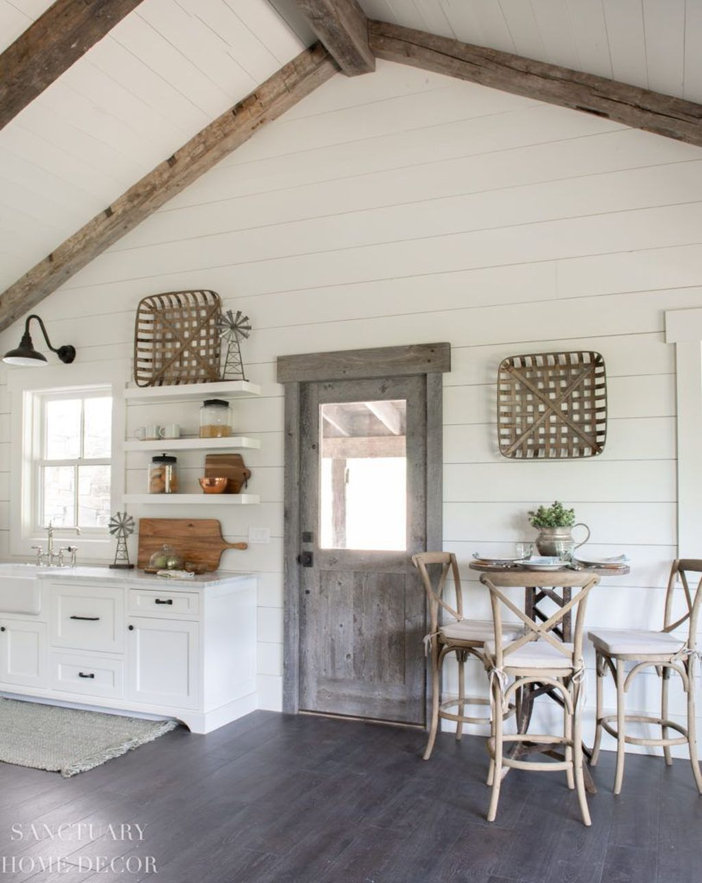 Amazing Small Cottage Interiors Decor Ideas 10