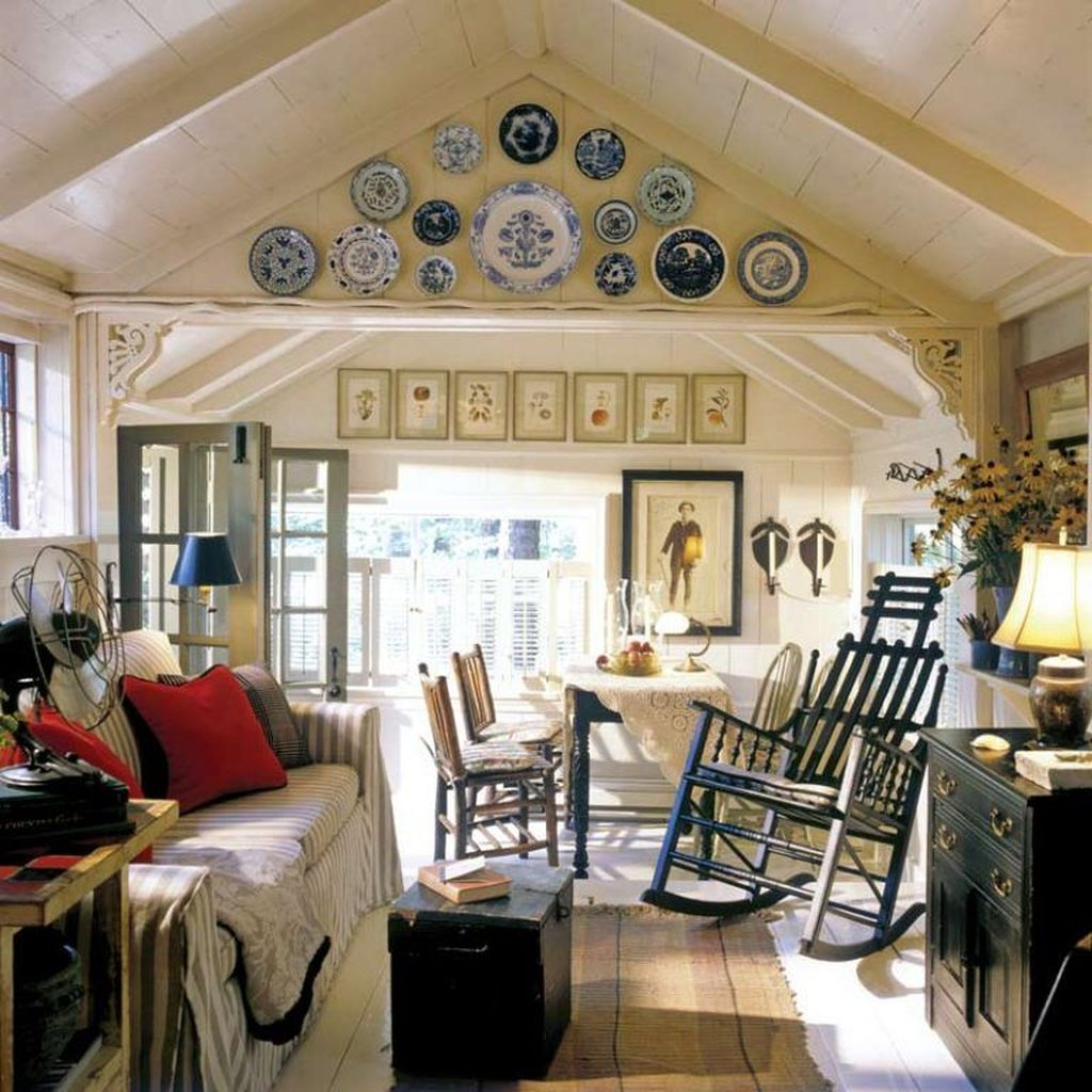 Amazing Small Cottage Interiors Decor Ideas 26