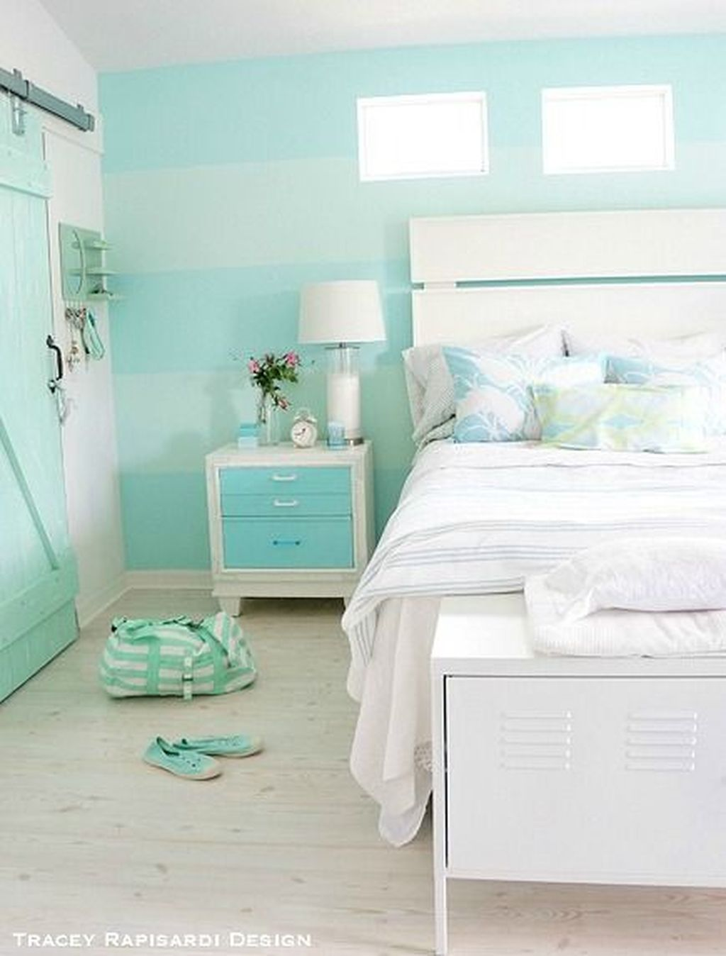 Awesome Cottage Bedroom Decoration Ideas 11