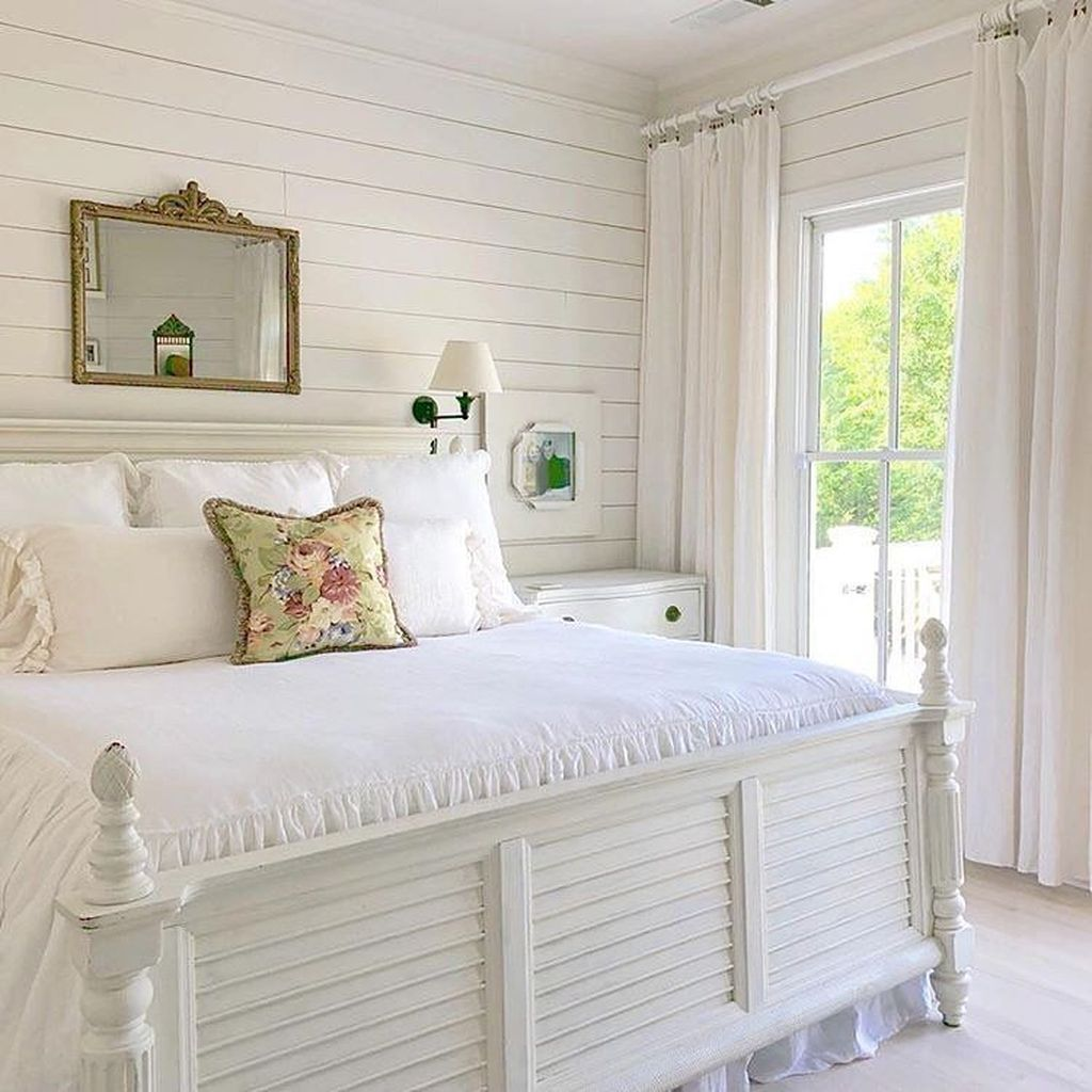 Awesome Cottage Bedroom Decoration Ideas 21