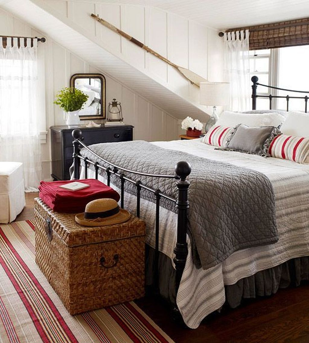 Awesome Cottage Bedroom Decoration Ideas 23