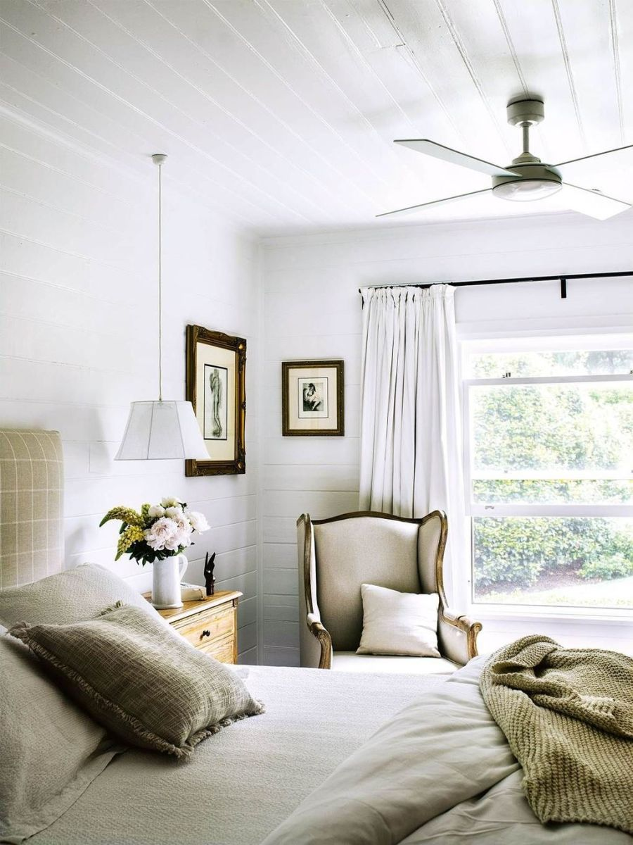 Awesome Cottage Bedroom Decoration Ideas 31