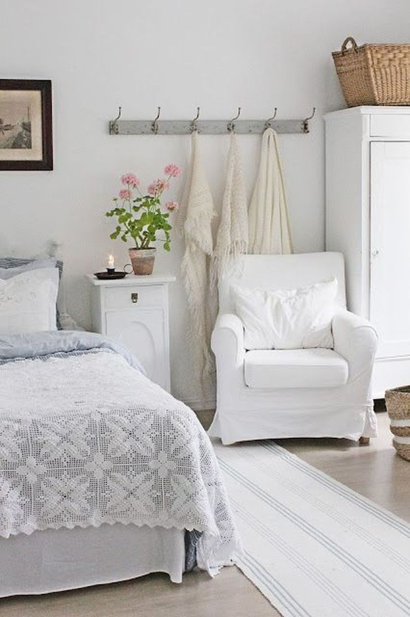 Awesome Cottage Bedroom Decoration Ideas 32