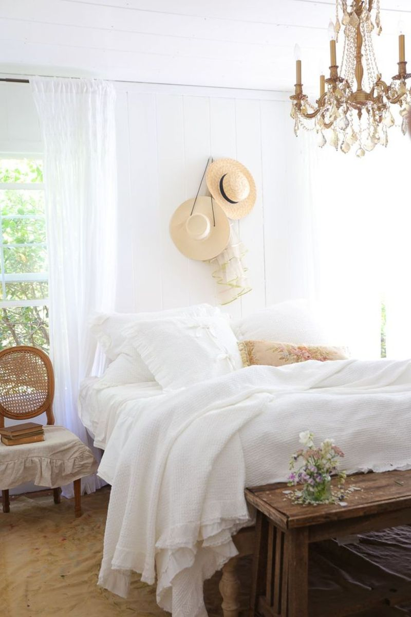 Awesome Cottage Bedroom Decoration Ideas 33 1