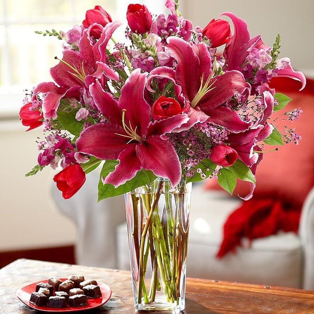 Beautiful Valentine Flower Arrangements That You Will Like 14