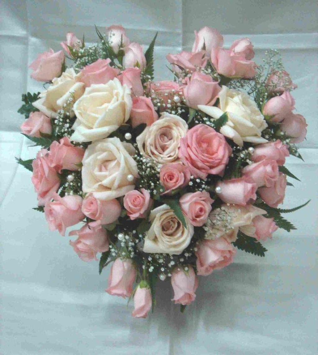 Beautiful Valentine Flower Arrangements That You Will Like 17