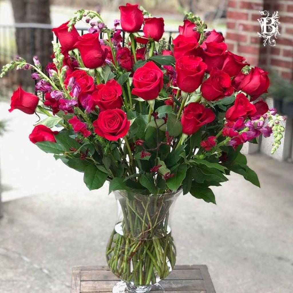 Beautiful Valentine Flower Arrangements That You Will Like 29