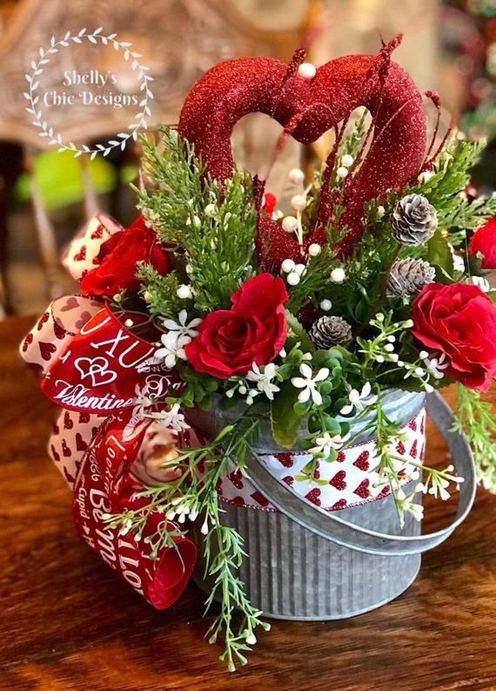 Beautiful Valentine Flower Arrangements That You Will Like 30