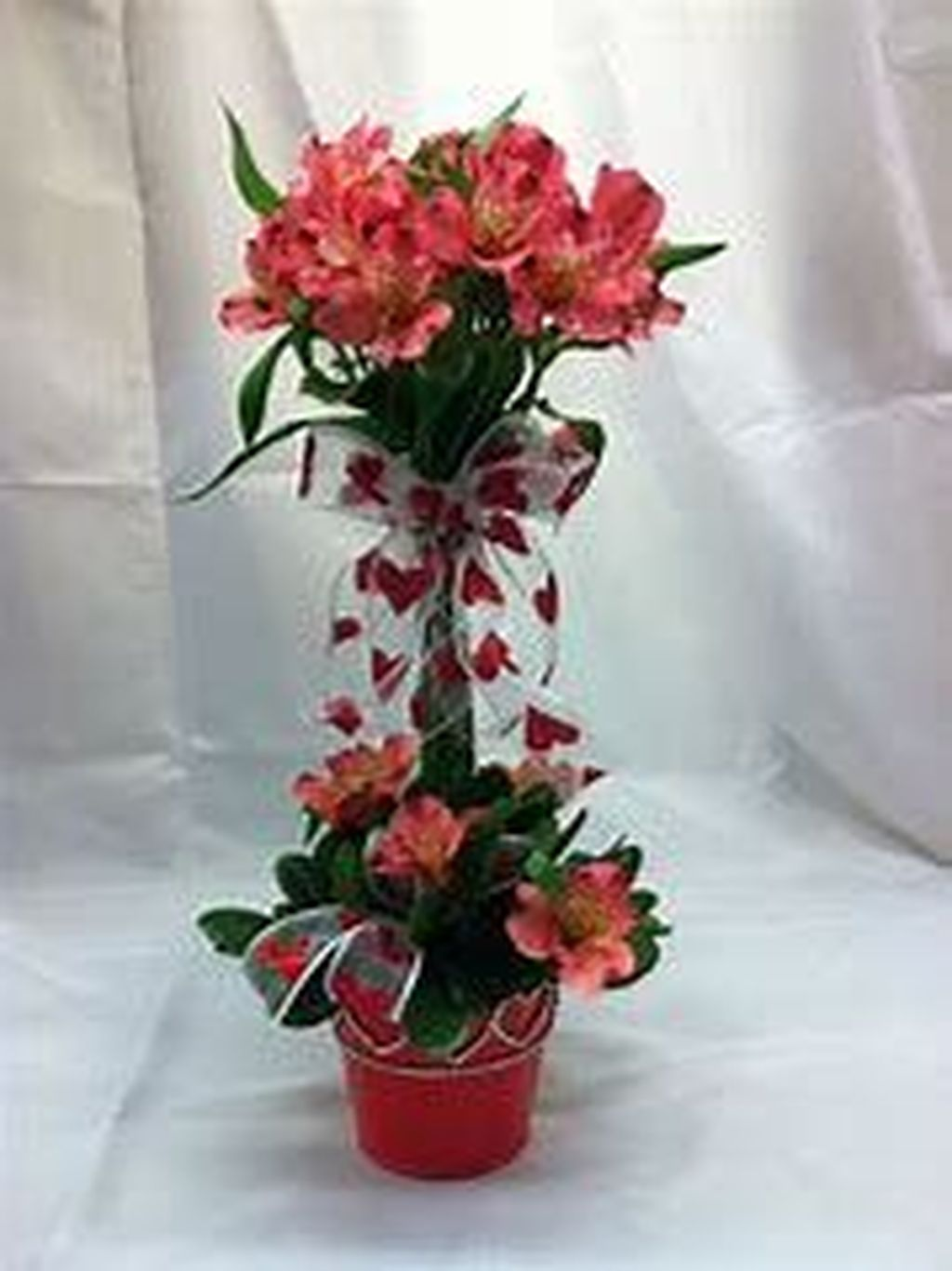 Beautiful Valentine Flower Arrangements That You Will Like 33