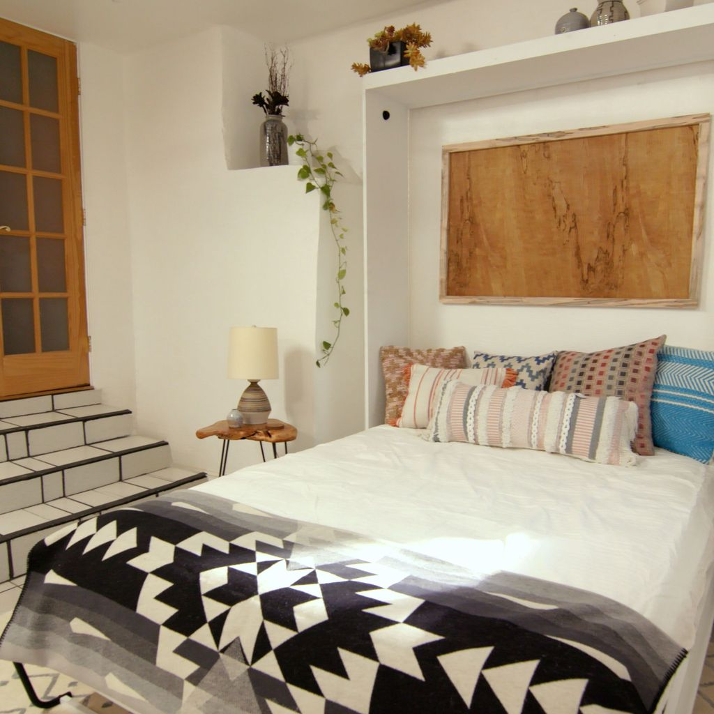 Gorgeous Rustic Bedroom Design And Decoration Ideas 14
