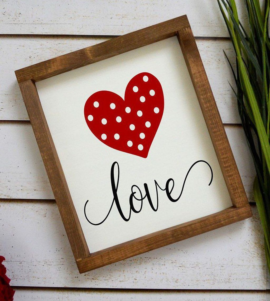 Gorgeous Valentine Wall Decor To Beautify Your Home 07