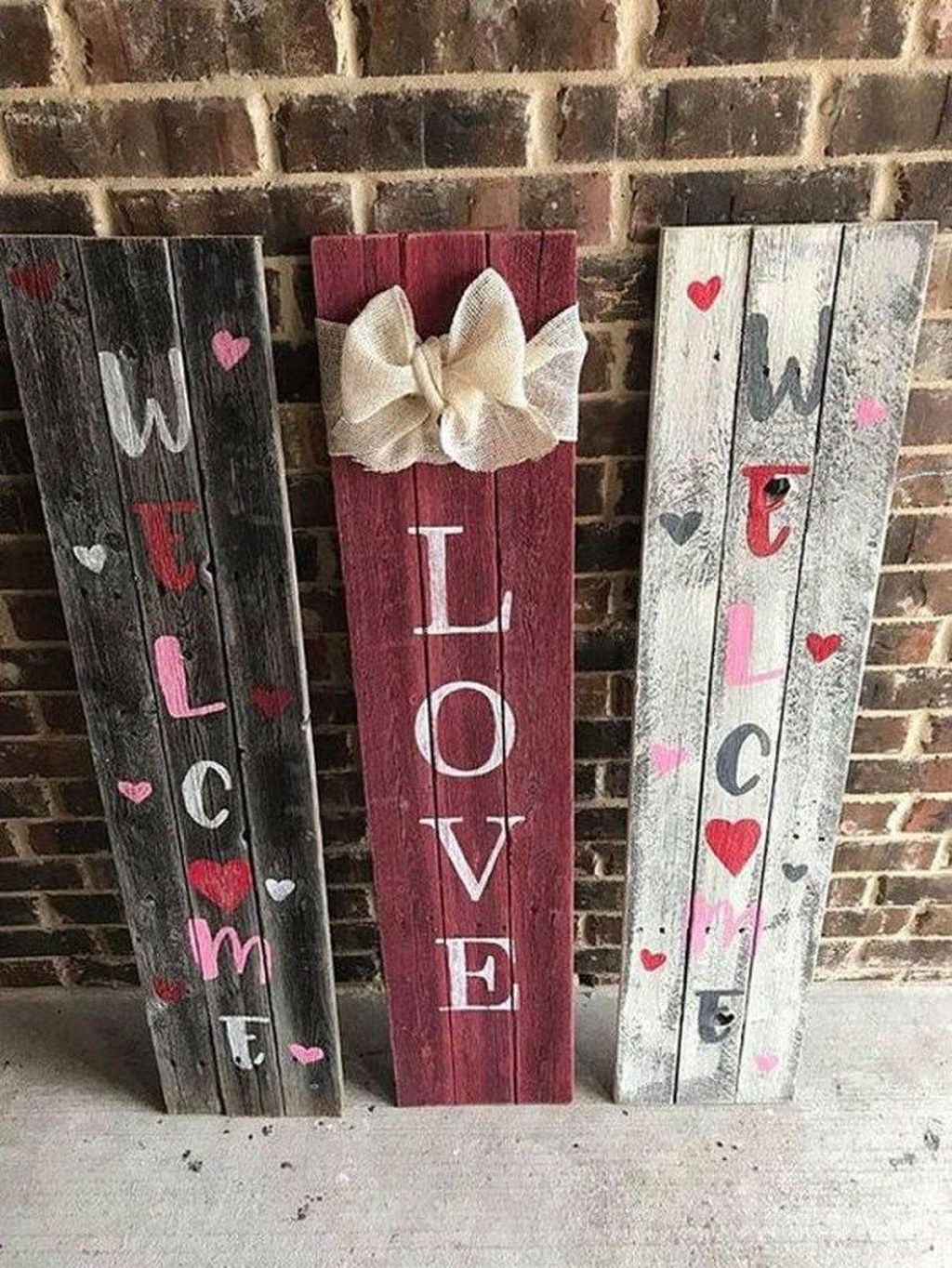Gorgeous Valentine Wall Decor To Beautify Your Home 09