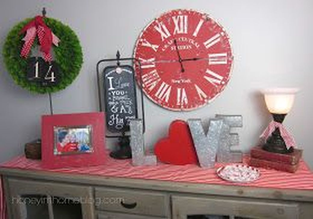 Gorgeous Valentine Wall Decor To Beautify Your Home 30