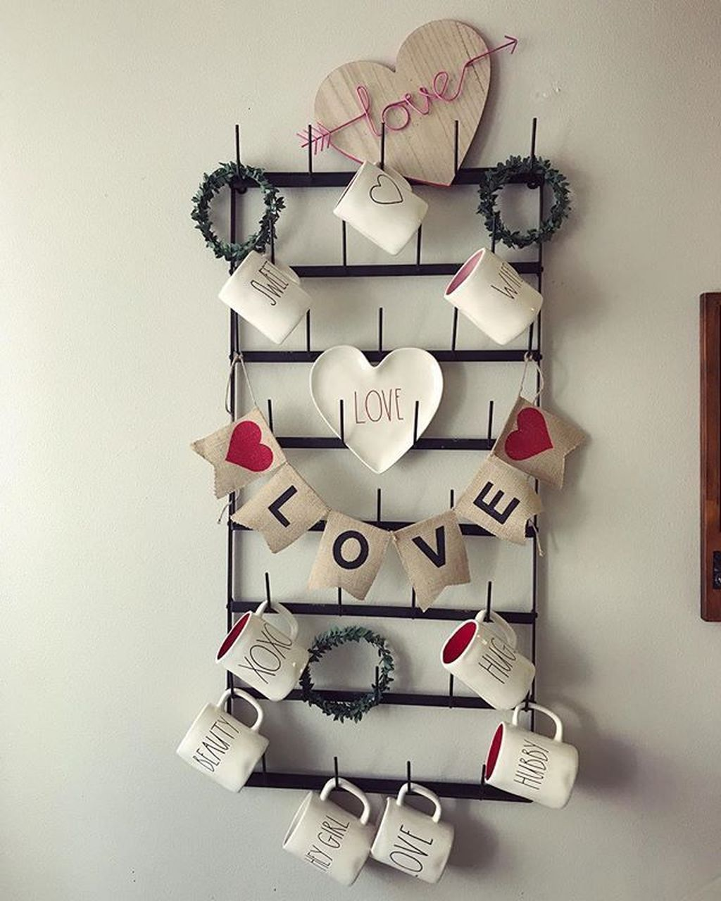 Gorgeous Valentine Wall Decor To Beautify Your Home 33