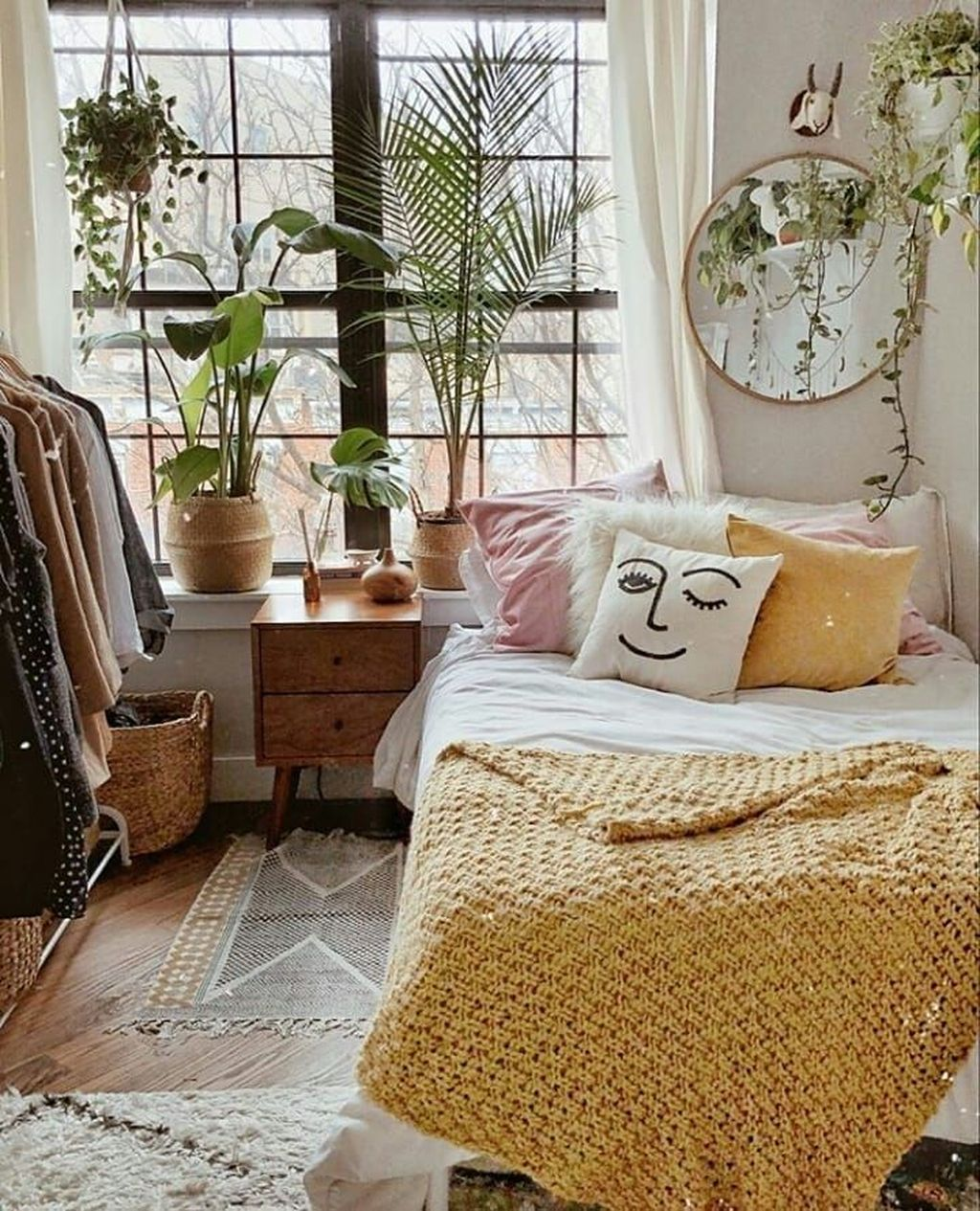 Inspiring Small Bedroom Ideas Which You Definitely Like 18