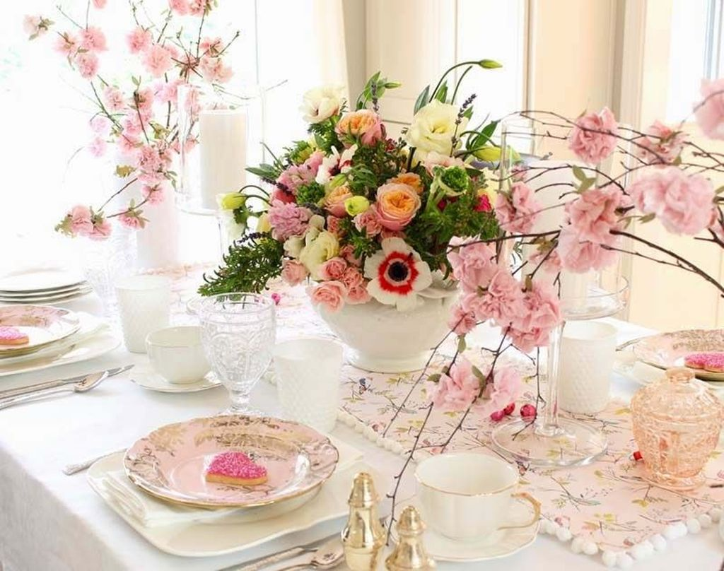 Lovely Valentine Table Decor That You Must Apply In The Dining Room 04