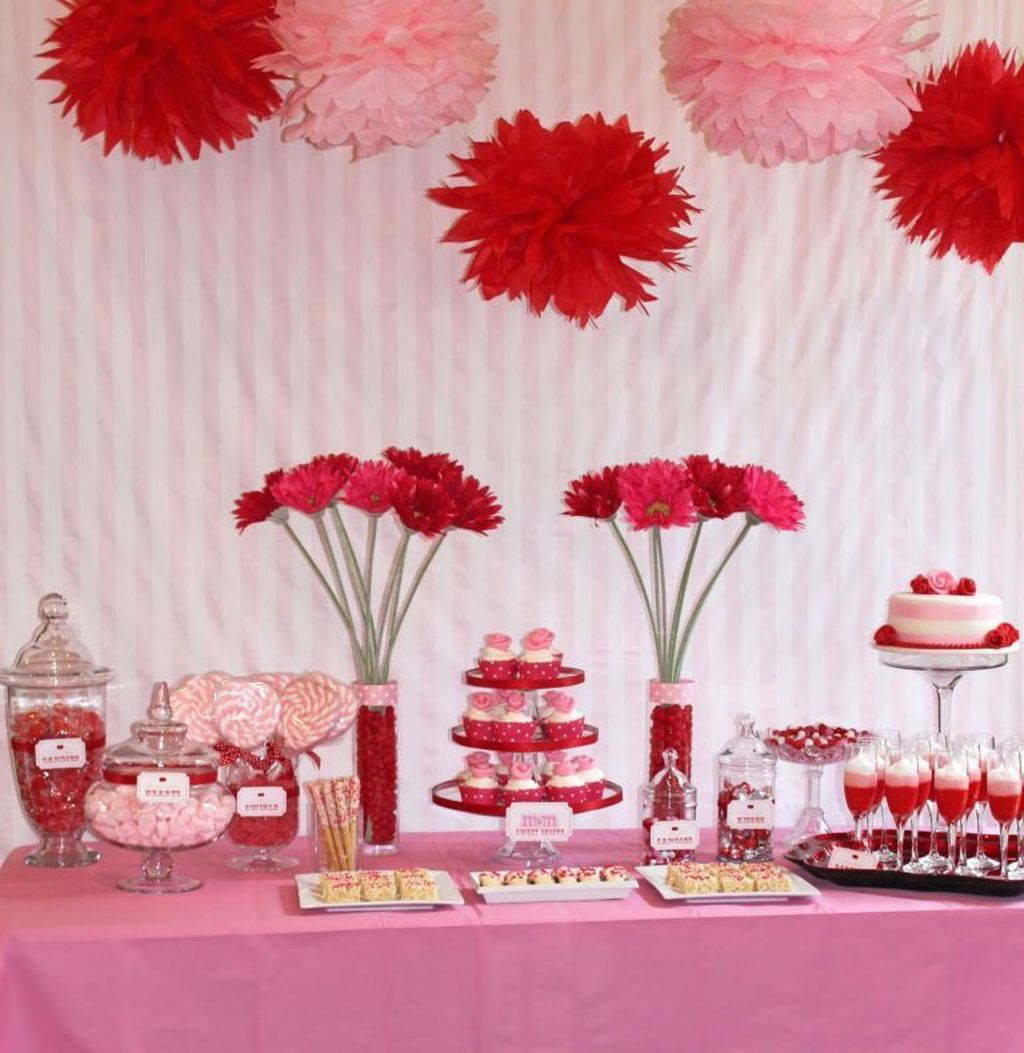 Lovely Valentine Table Decor That You Must Apply In The Dining Room 09