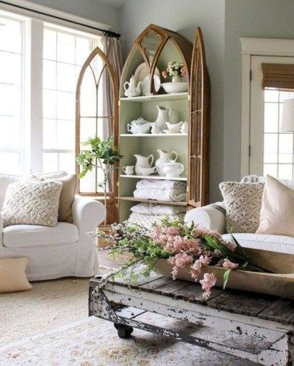 Popular French Country Living Room Decoration Ideas 14