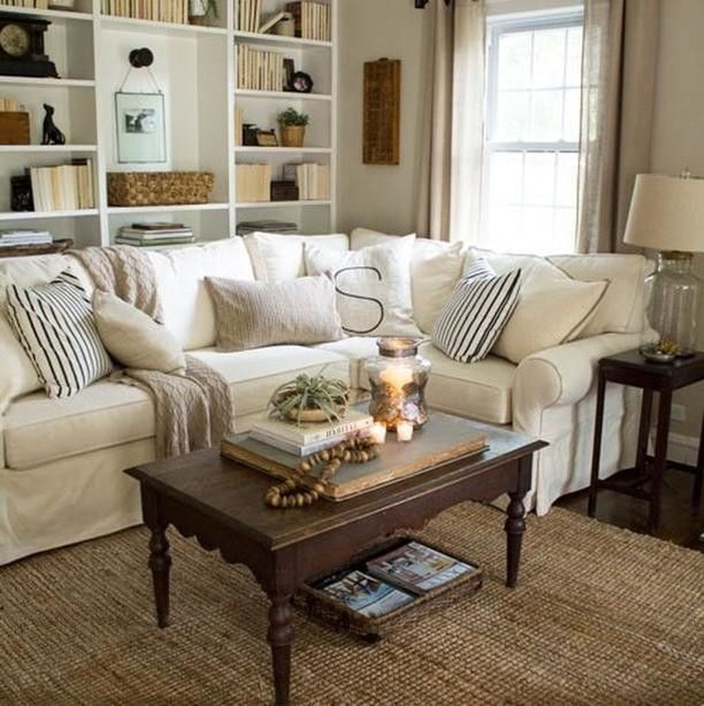 Popular French Country Living Room Decoration Ideas 17