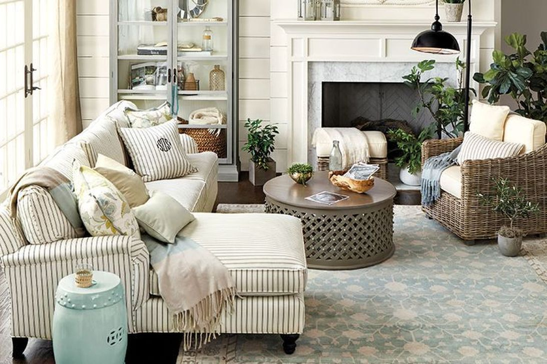 Popular French Country Living Room Decoration Ideas 21
