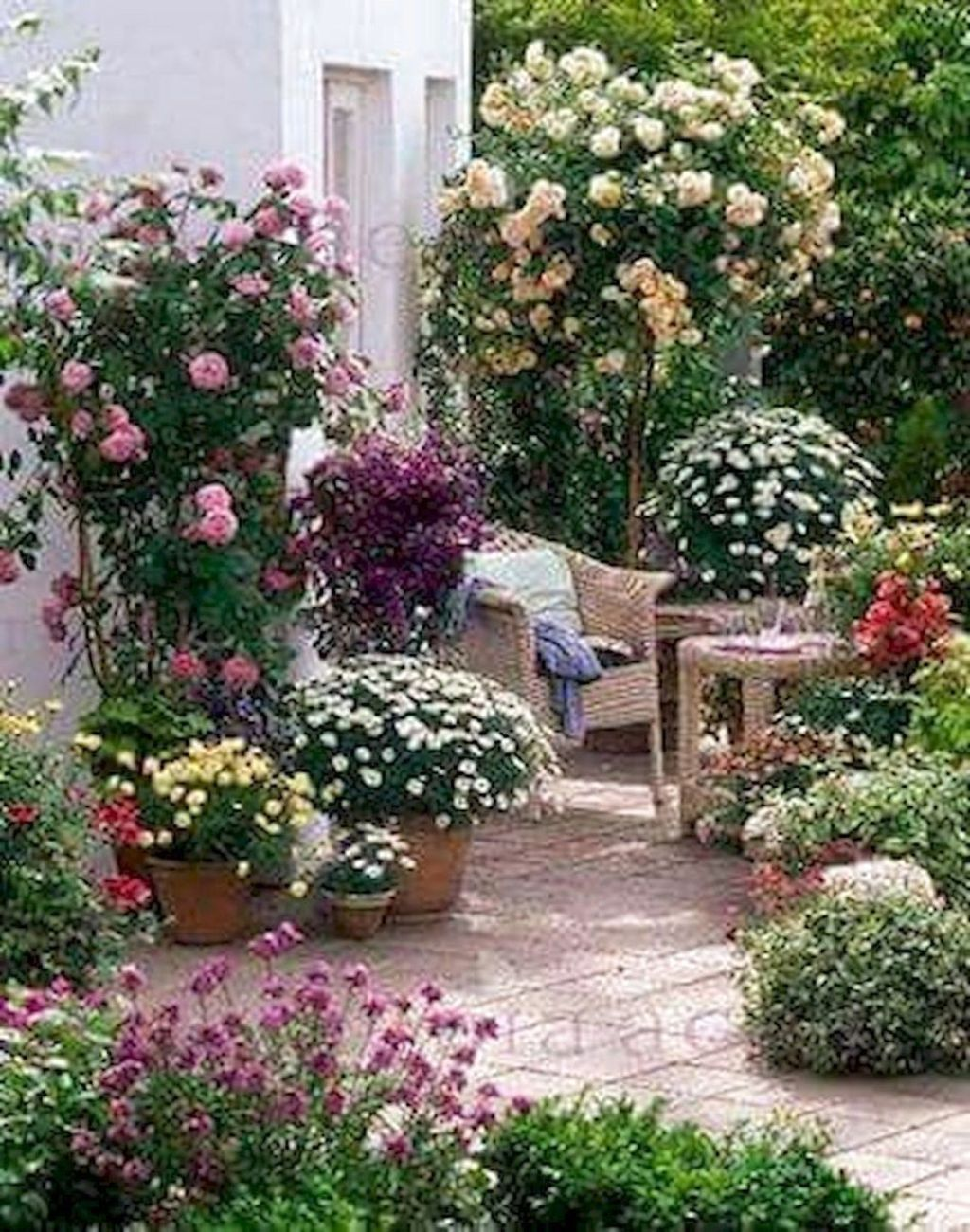 The Best Easy Garden Ideas To Beautify Your Yard 14