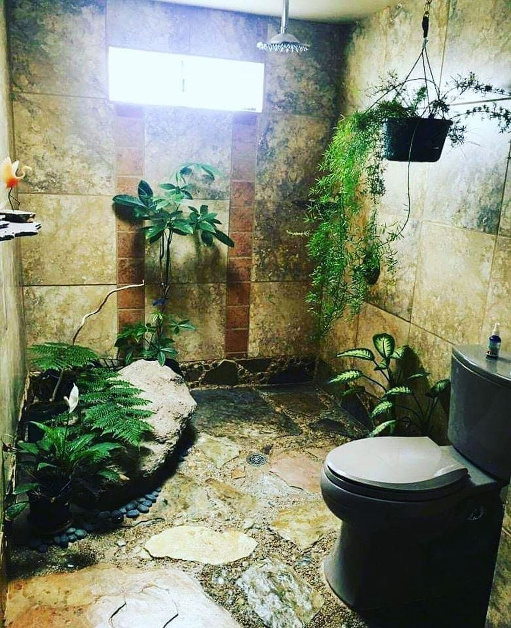The Best Jungle Bathroom Decor Ideas To Get A Natural Impression 23