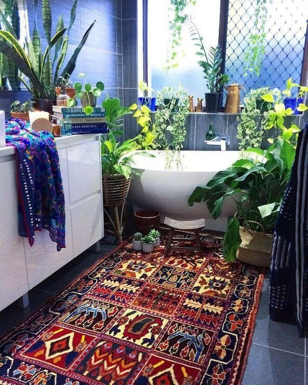 The Best Jungle Bathroom Decor Ideas To Get A Natural Impression 31