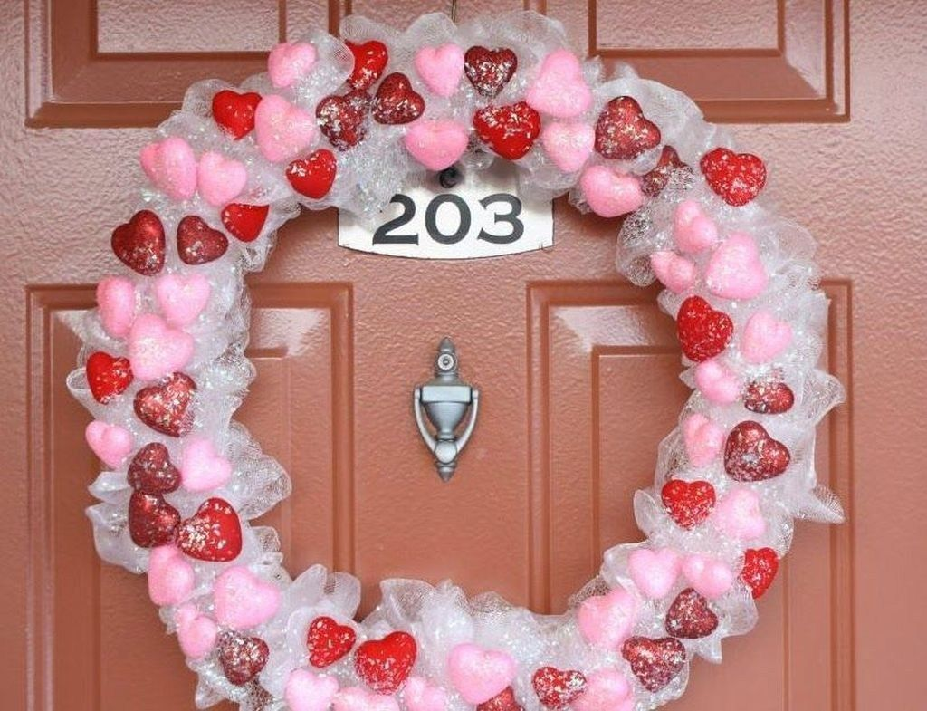 The Best Valentine Door Decorations 06