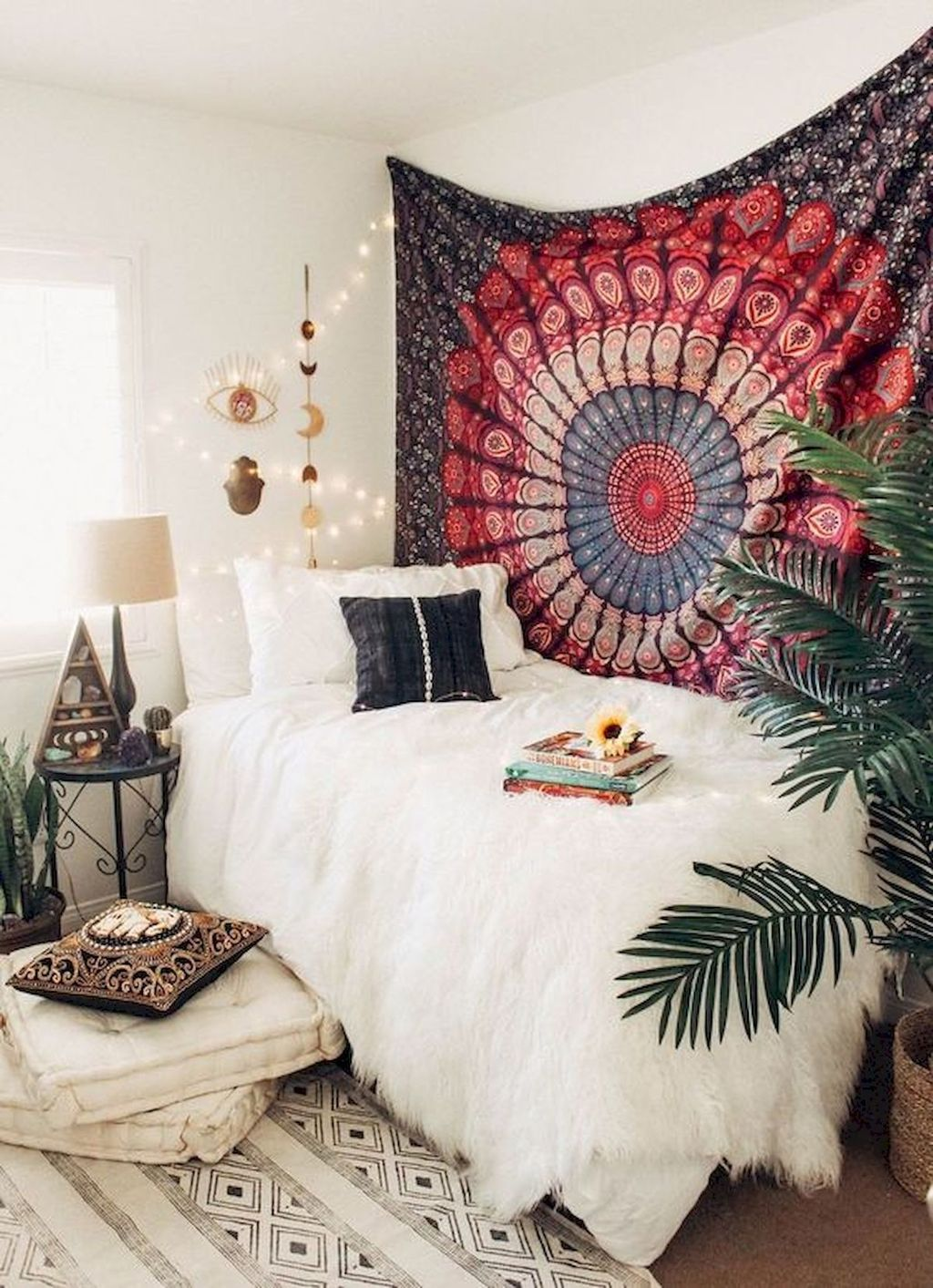 Lovely Attic Bedroom Ideas With Bohemian Style 15