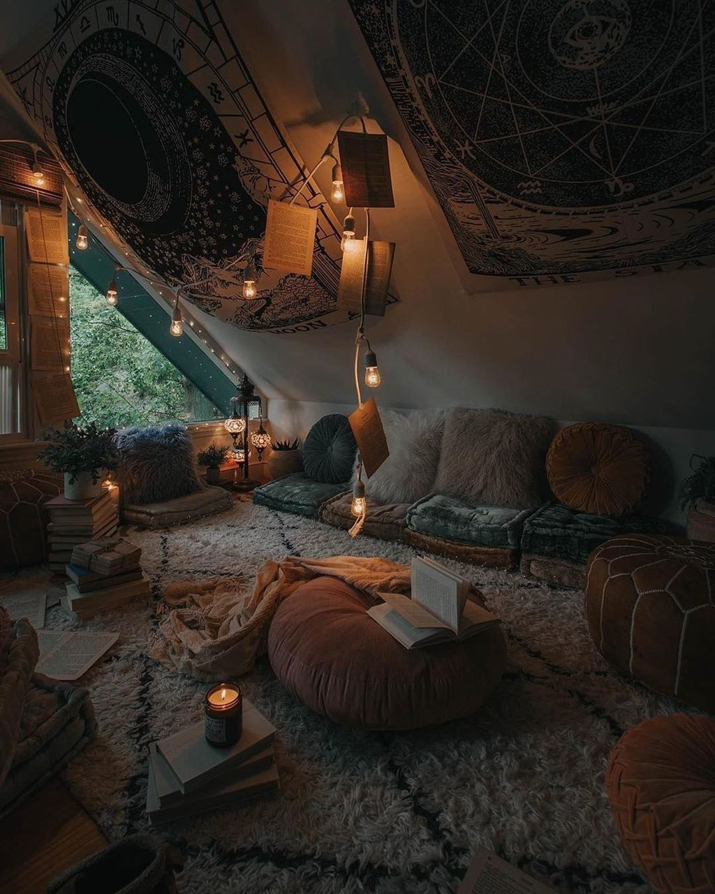 Lovely Attic Bedroom Ideas With Bohemian Style 33