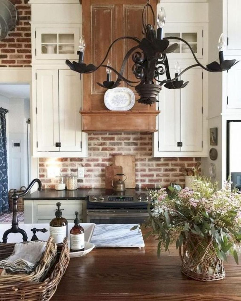 The Best Ideas To Decorate Interior Design With Farmhouse Style 14