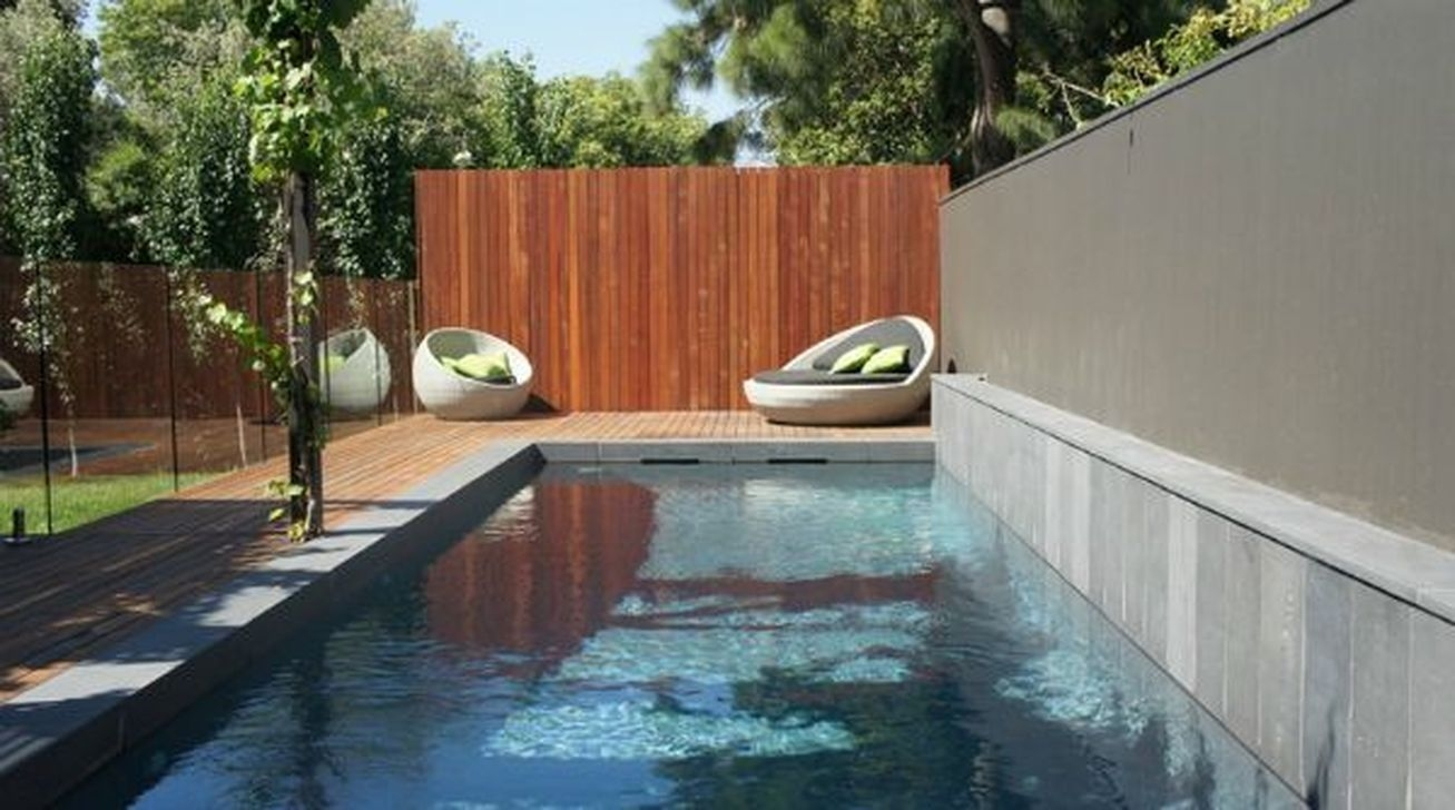 Totally Difference Pool Seating Ideas To Beautify Your Backyard 01