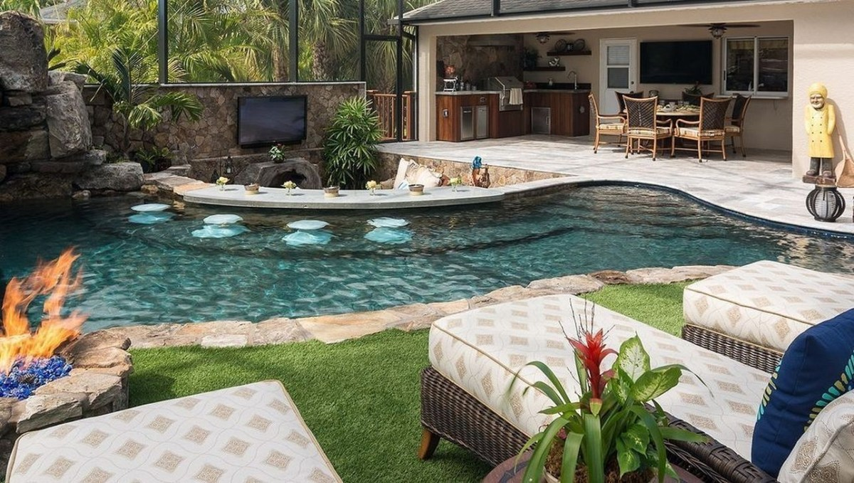 Totally Difference Pool Seating Ideas To Beautify Your Backyard 02
