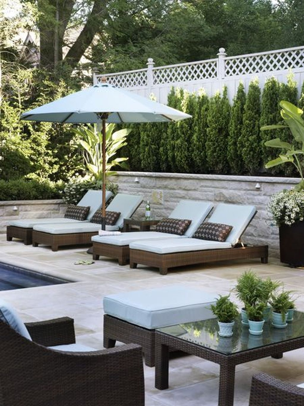 Totally Difference Pool Seating Ideas To Beautify Your Backyard 09