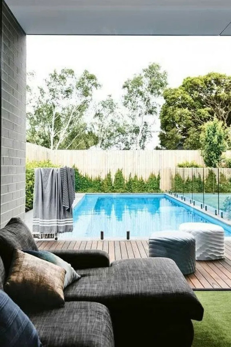 Totally Difference Pool Seating Ideas To Beautify Your Backyard 19