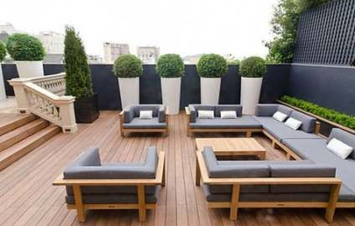 Totally Difference Pool Seating Ideas To Beautify Your Backyard 25