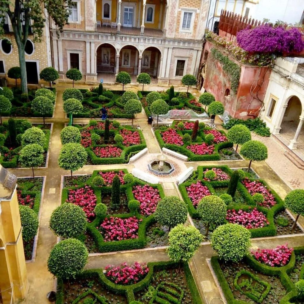 Beautiful Garden Design Ideas That You Should Try Now 29