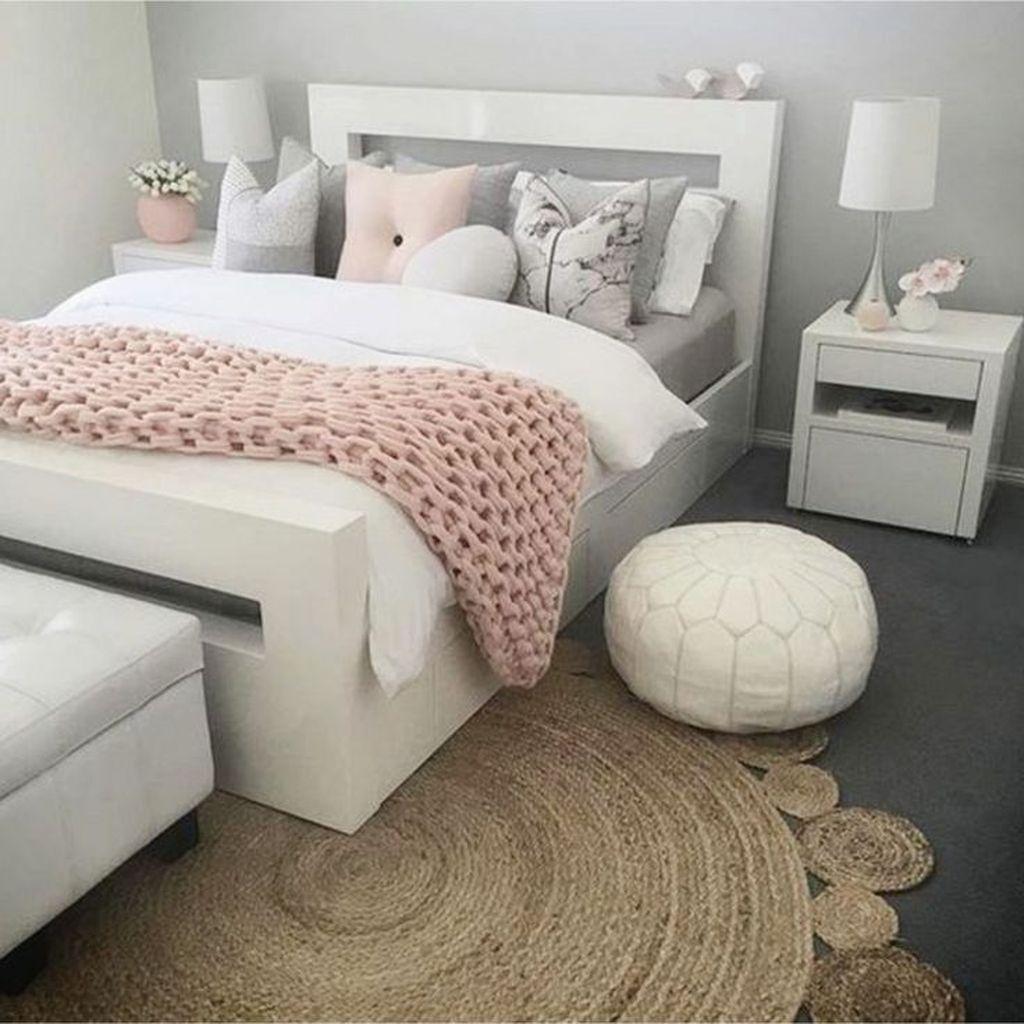 Fabulous White Bedroom Ideas To Make Your Sleep Comfortable 15