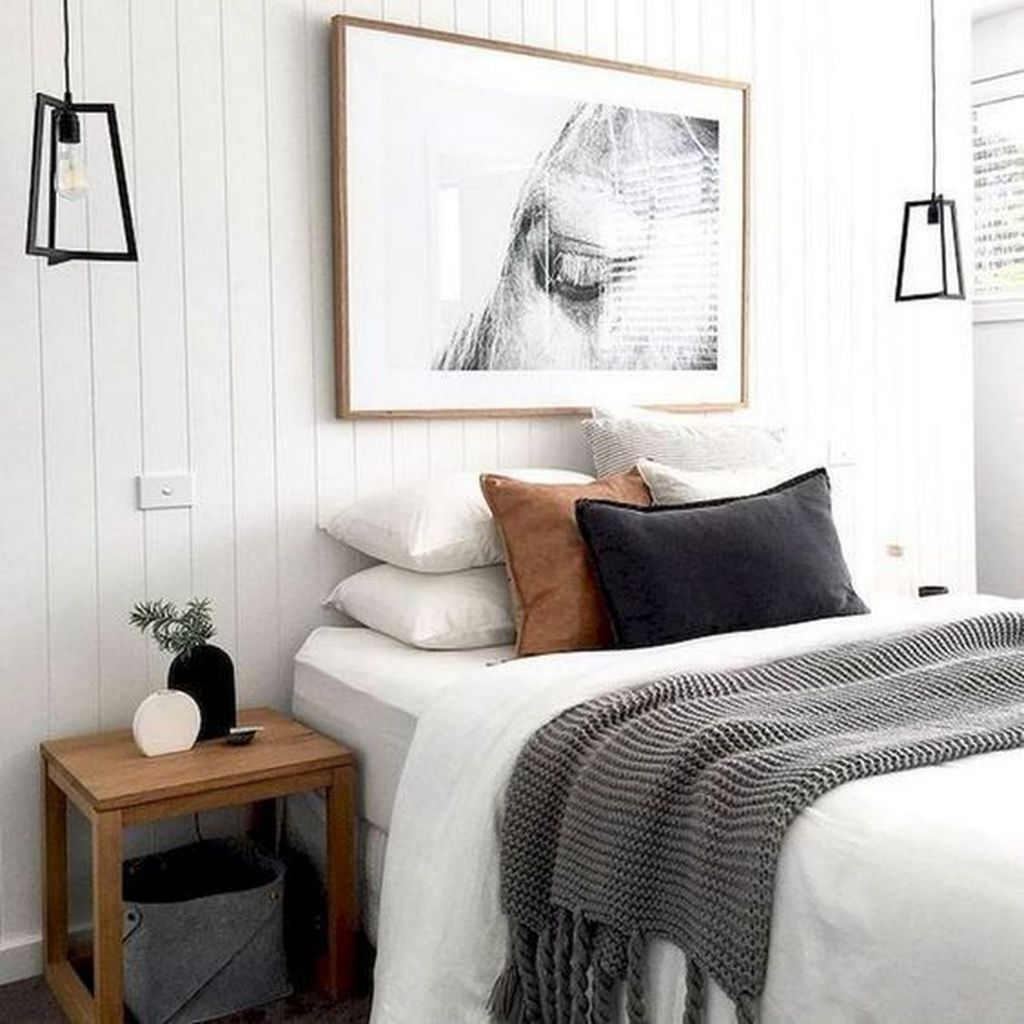 Fabulous White Bedroom Ideas To Make Your Sleep Comfortable 22