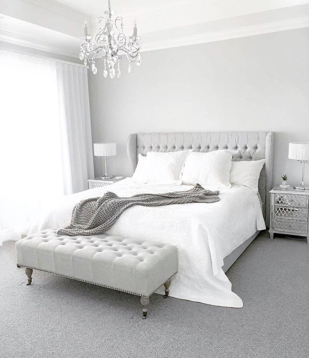Fabulous White Bedroom Ideas To Make Your Sleep Comfortable 31