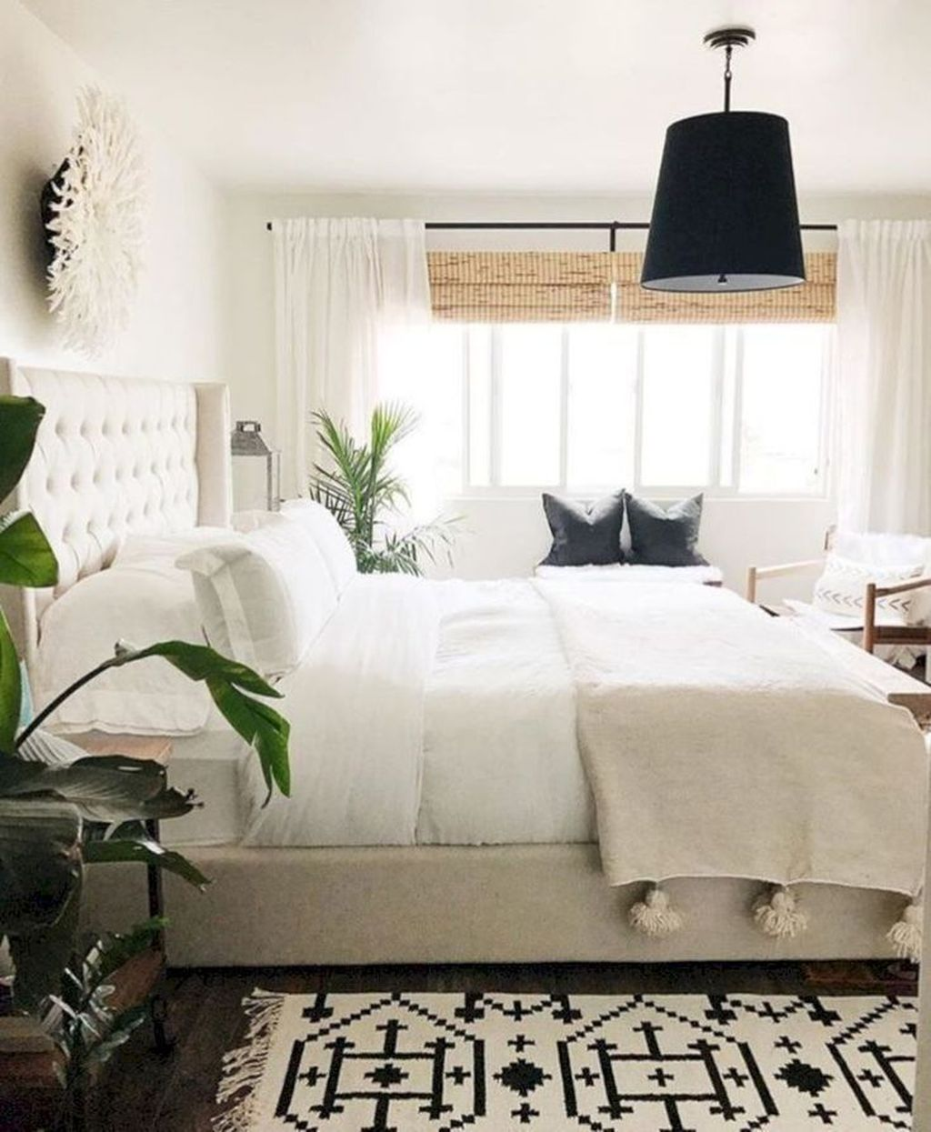 Fabulous White Bedroom Ideas To Make Your Sleep Comfortable 32
