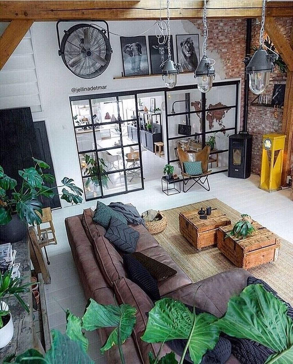 Gorgeous Industrial Living Room Design And Decoration Ideas 07