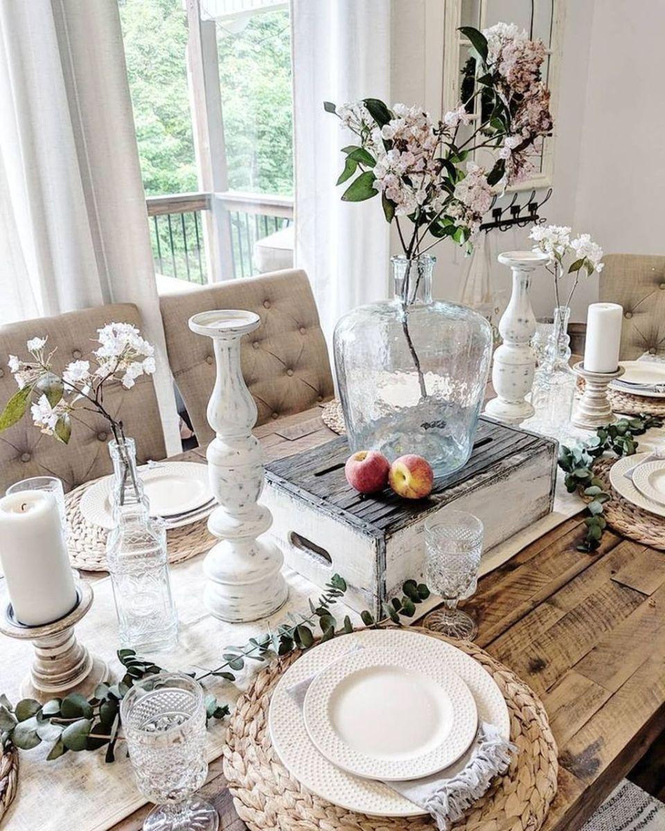 Inspiring Romantic Dining Table Decor Ideas 01