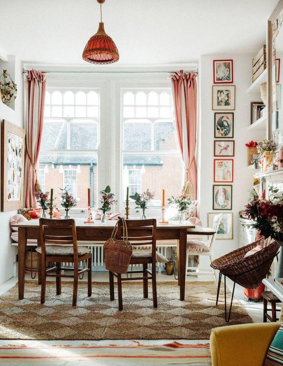 Inspiring Romantic Dining Table Decor Ideas 22